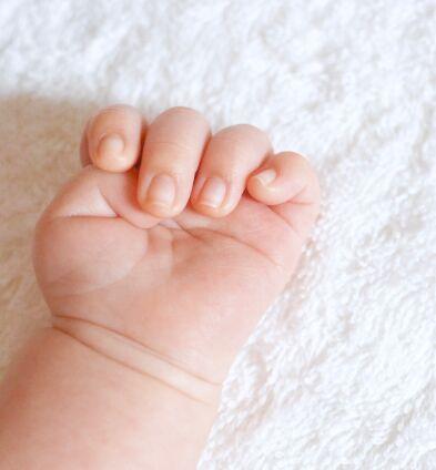 アイキャッチ 赤ちゃん 手