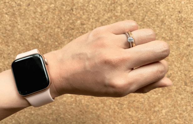 結婚指輪とアップルウォッチ