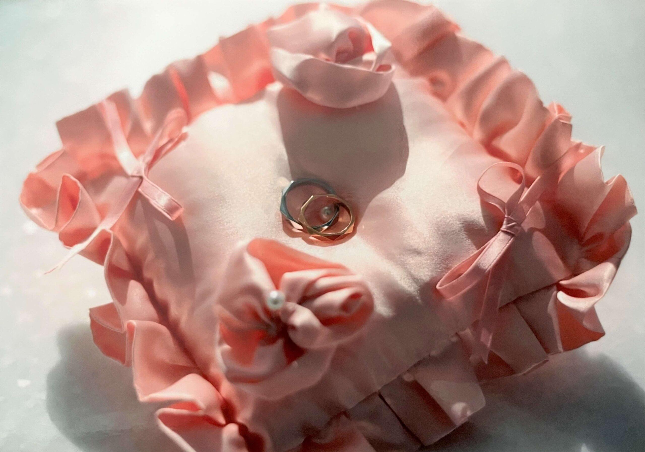 結婚指輪とリングピロー